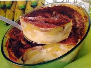 a torta de banana em camadas